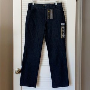 Lee Relaxed Fit Straight Leg Mid Rise Trouser Jean